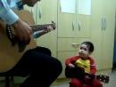 Классный Битлз-дуэт папы и двухлетнего сына: Don't Let Me Down
